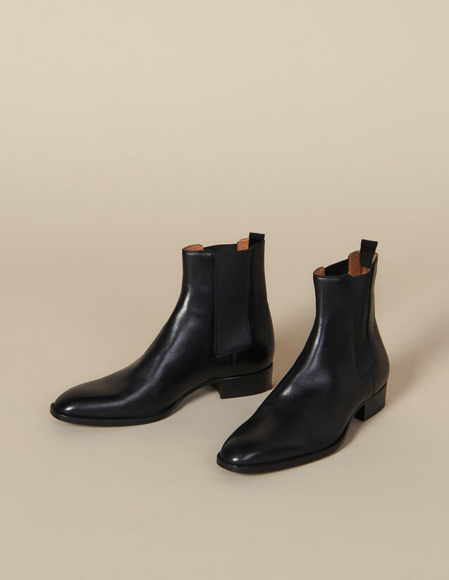 Smooth Leather Chelsea Boots : Winter Collection color Black