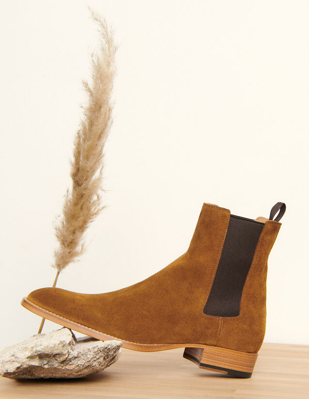 Suede Chelsea boots : Winter Collection color Caramel