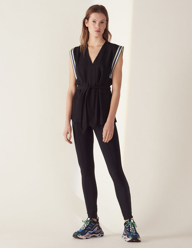 Sleeveless Top With Tie Belt : Printed shirt color Black